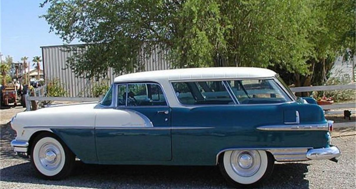 This 1956 Pontiac Station Wagon has risen in value every year for decades. Today it's worth between $ 65,000 and $ 80,000.00.